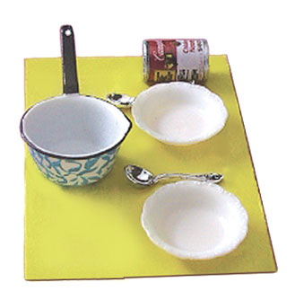 CAR0086 - Soup with Pan, Bowls & Spoons